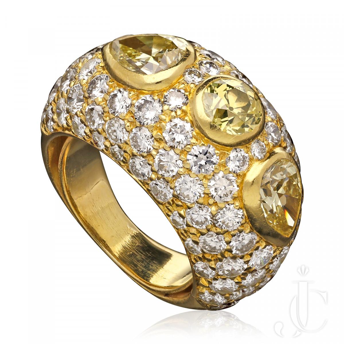 Van Cleef & Arpels - Greenish/Yellow & Yellow diamond Bombe Ring c.1973