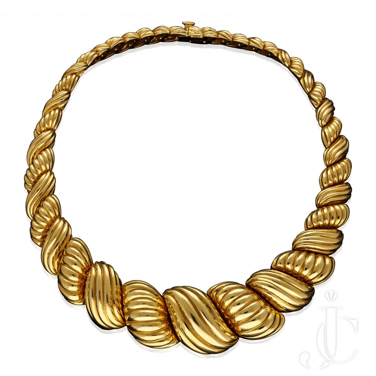 Van Cleef & Arpels Bold Vinateg Scroll Necklace 201 grams Paris c.1970s