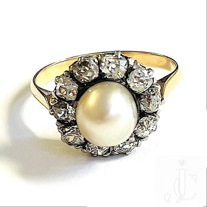 Perl Diamond Ring