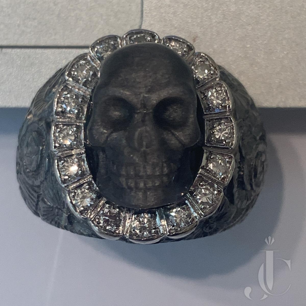 Labradorite Skull, Gold and Diamond Ring