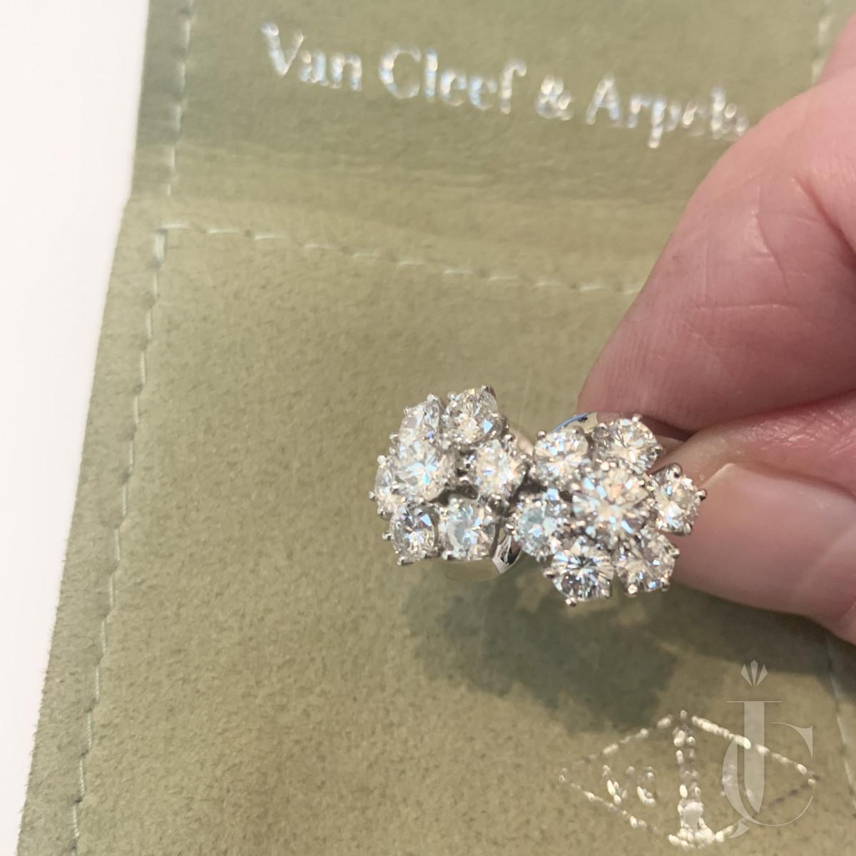 Van Cleef and Arpels Ring